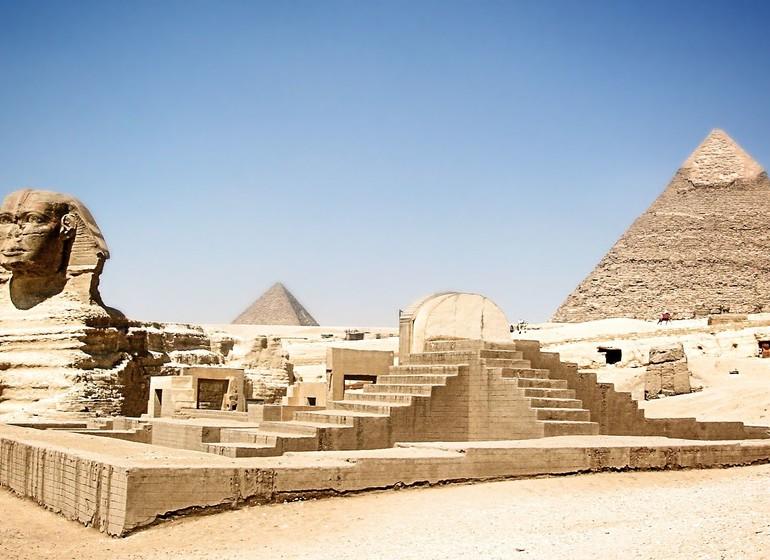 Sphinx et Pyramides